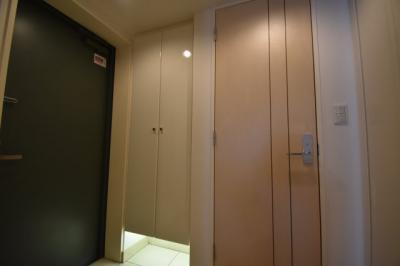 お部屋は5階の角部屋です。