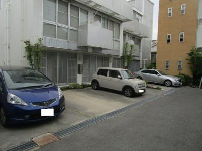 駐車場1台無料