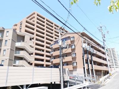 総戸数94戸の大家族みたいなマンションです。