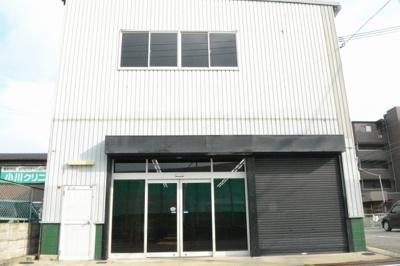 【外観】北花田町3丁 倉庫・店舗 約78坪!2F事務所あり。駐車スペース4台あり