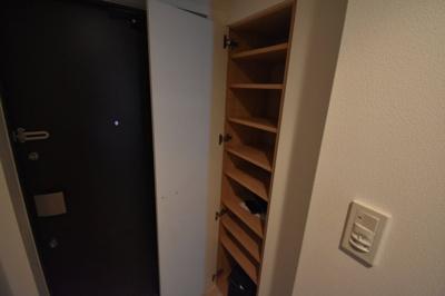玄関スペース広めです。