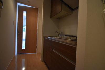 ガスコンロ2口の綺麗なキッチンです。