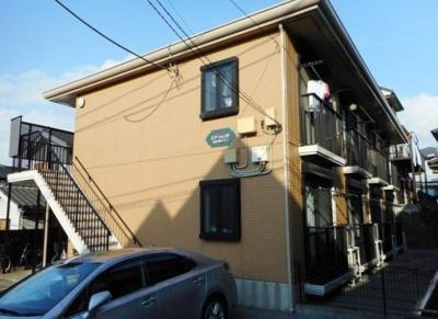 洋室8帖の1K賃貸アパート。