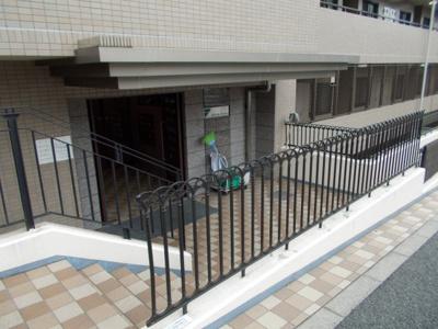 【玄関】ジオ緑地公園ヒルサイドテラス