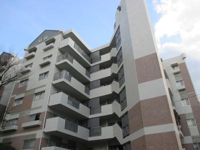 【現地写真】  総戸数21戸の RC造の分譲マンションです♪