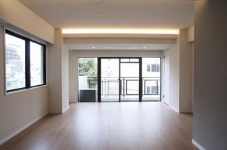 【居間・リビング】サンパークマンション六番町