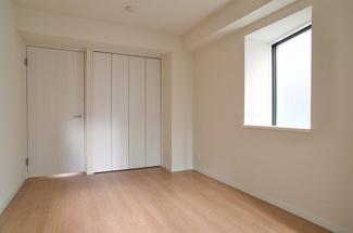 【洋室】サンパークマンション六番町