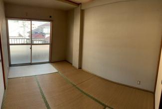 南側のお部屋です。
