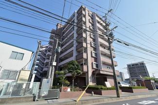 JR貝塚駅までは徒歩19分。徒歩6分のバス停からバスもあります☆彡 4号線そばなので、車での移動も便利です