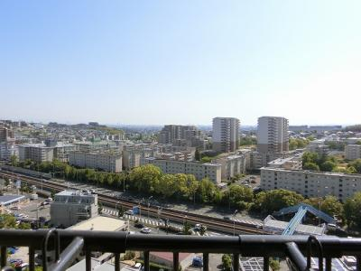 【現地写真】 13Fからの眺望をお楽しみ下さい♪周りに高い建物はございません♪
