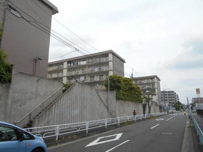 【外観】新桜が丘ハイツ6号棟