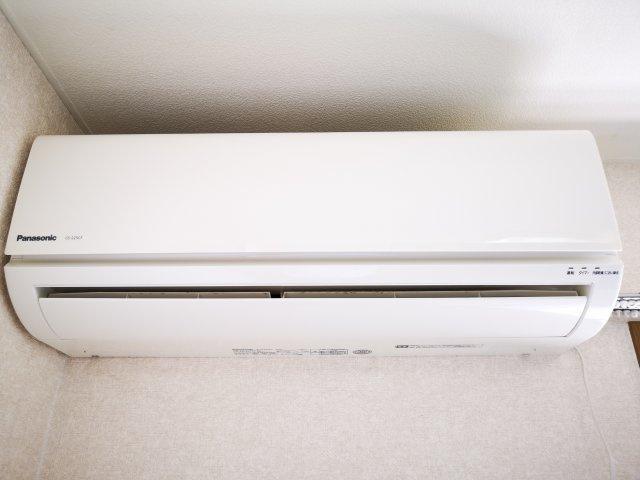 洋室6帖のエアコンです