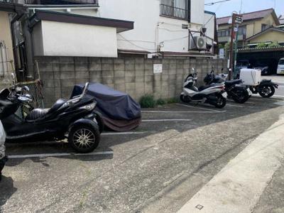 バイク駐輪可、月額5千円、空き状況は都度ご確認下さい