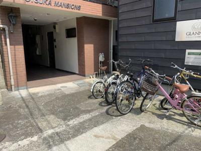 自転車駐輪可、1台無料、2台目以降月額2千円