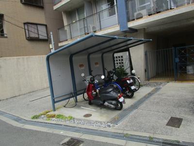 【駐車場】カーサマニエラ