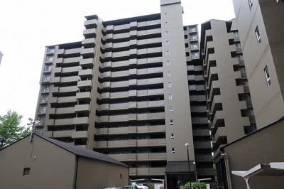 【現地写真】 総戸数118戸のマンションです♪