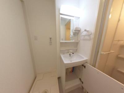 【洗面所】清潔感ある賃貸マンション