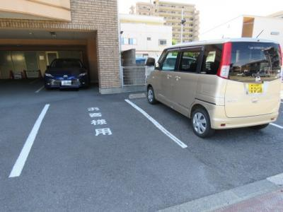 【駐車場】市民の権利ビル