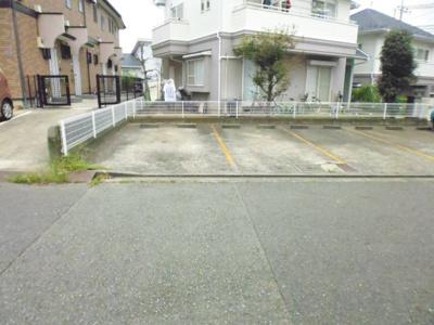 【駐車場】ドルミハイム1駐車場