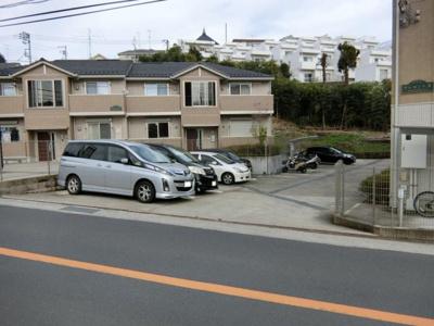 【外観】クレセント1・2駐車場