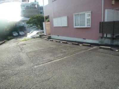【外観】ティ・エス ハイム駐車場