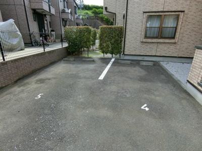 【駐車場】リバータウンB棟