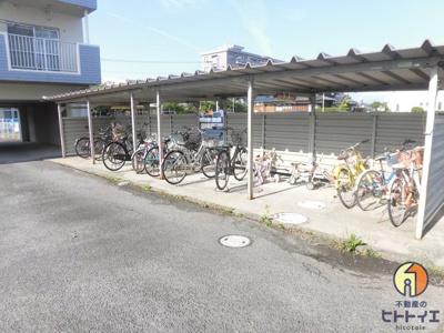バイク・駐輪場です