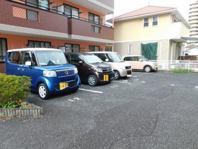 【駐車場】シャルマン