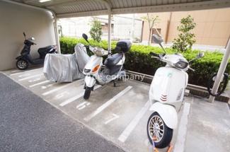 「バイク置き場」