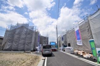 6号棟 現地(2020年4月)撮影 前面道路は北側幅員約6.0mの公道。