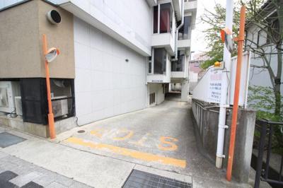 【駐車場】芦屋サウザンドビル