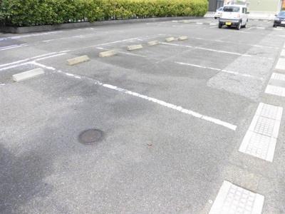 【駐車場】エメラルド77