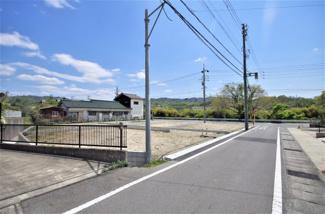 1号棟 現地(2020年4月)撮影 敷地面積149.20㎡(40.13坪)。 駐車並列2台可能!!