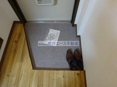 【玄関】トマトハイツ菱屋西