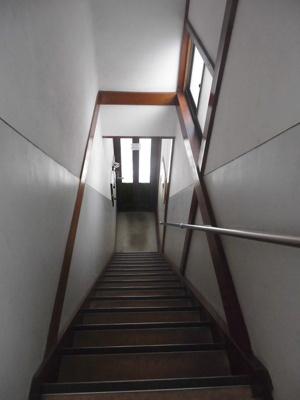 玄関から続く室内階段
