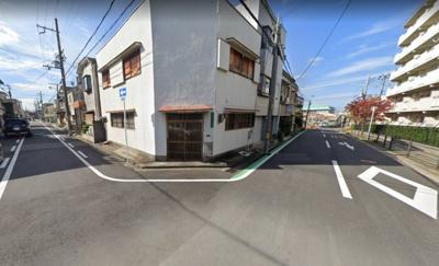 角地です♪前面道路広々♪