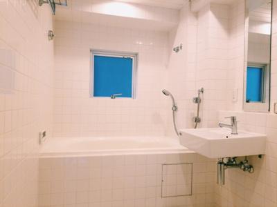 余裕の大きさがあるお風呂です。 追い炊き 浴室乾燥ついてます。