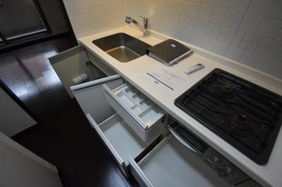 収納充実したキッチンです。