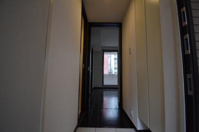 お部屋は3階の角部屋となります。