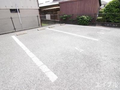 【駐車場】エーリ・プレジオ