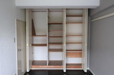 【現地写真】 自由度の高い家具の配置が叶うシンプルな空間です♪