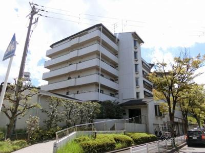 【現地写真】 鉄筋コンクリート造の 25戸の綺麗なマンション♪