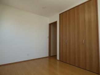 岐阜市下奈良3丁目新築戸建て4LDK:スタンダードな洋室です