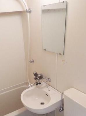 お掃除のしやすい3点ユニット・洗面台(同一仕様)