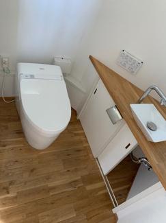 岐阜市大菅北 中古戸建 駐車スペース3台! トイレは2か所!収納、洗面台も付いています。