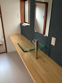 岐阜市大菅北 中古戸建 駐車スペース3台! 広々とした洗面台新設しました♪