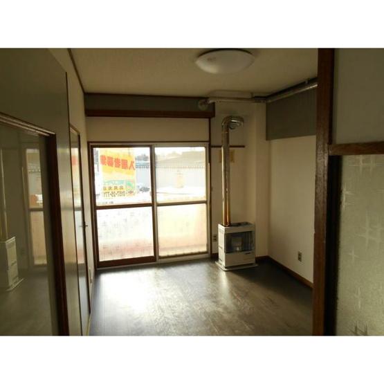 【居間・リビング】北見市山下町4丁目4番地12 売買ビル