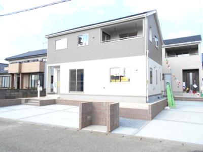 外はこのようになっています。・花崎駅徒歩10分・駐車場3台・南向き庭付き・4LDKとインナーバルコニー・花崎北小・加須東中・新型コロナの影響につきお電話下さい。懇切丁寧。