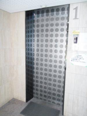 エレベーターあります
