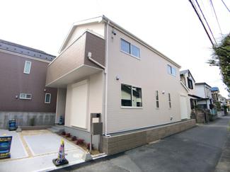 JR本八幡駅から東京駅まで27分と都心へのアクセス良好で通勤通学に便利です。